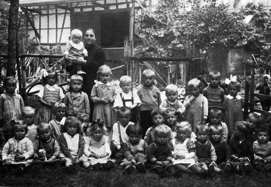 Kinderbetreuung »Ein reiner Aufbewahrungsort war der Kindergarten sehr lange, und schon im Alter von etwa eineinhalb Jahren kamen die Jüngsten.«